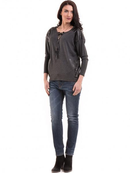Дамска блуза свободен модел с колие 22748 - цвят антрацит C