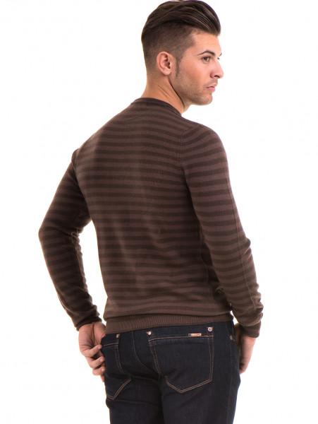 Мъжки пуловер на райе и обло деколте  AFM 604 - кафяв B