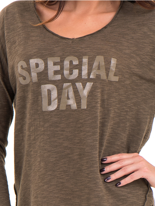 Дамска блуза с V-образно деколте XINT 116 - цвят каки D