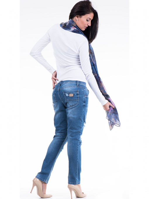 Дамска блуза с овално деколте XINT 853 - бяла E
