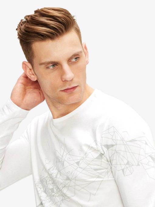 Бяла мъжка блуза с фигурални мотиви 501546 INDIGO Fashion