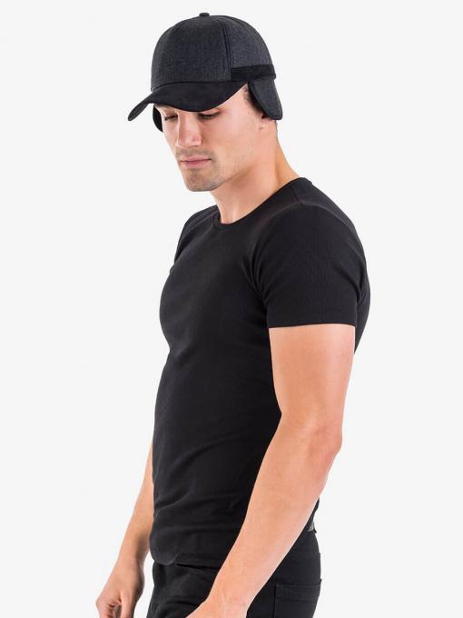 Черна шапка с козирка и ушанки 11327 INDIGO Fashion