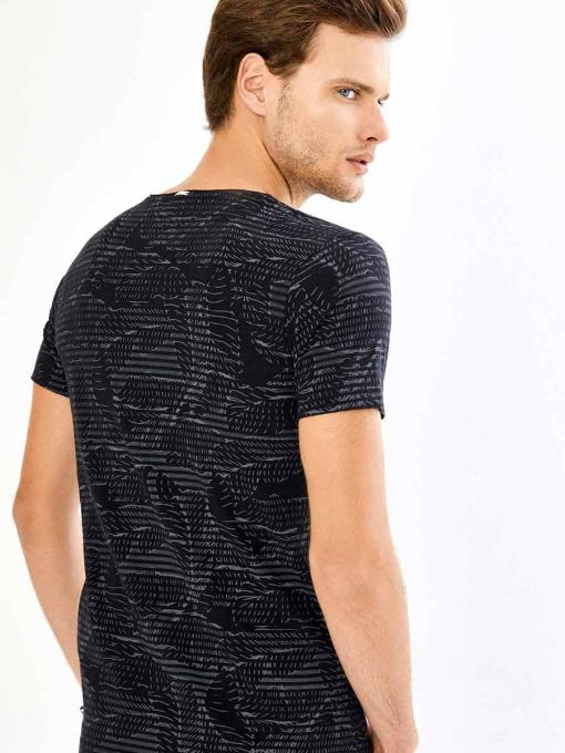 Черна памучна тениска с фигурален десен 501435 INDIGO Fashion