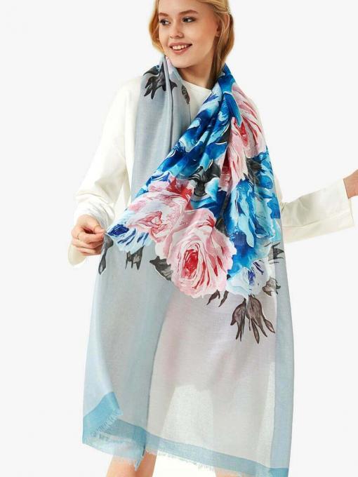 Дамски син квадратен шал на големи цветя 11618 INDIGO Fashion