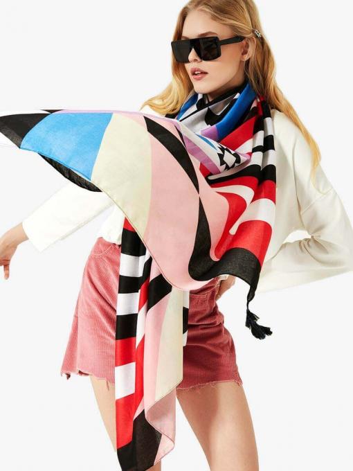 Дамски шал на геометрични фигури 11678 INDIGO Fashion