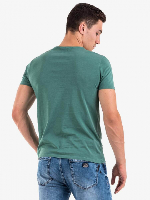 Зелена тениска с V-образно деколте 501527 INDIGO Fashion