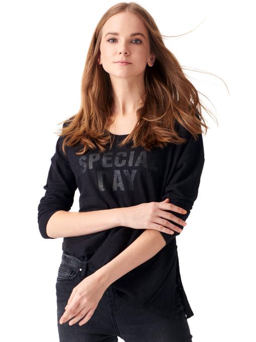 Дамска блуза с V-образно деколте XINT 116- черна