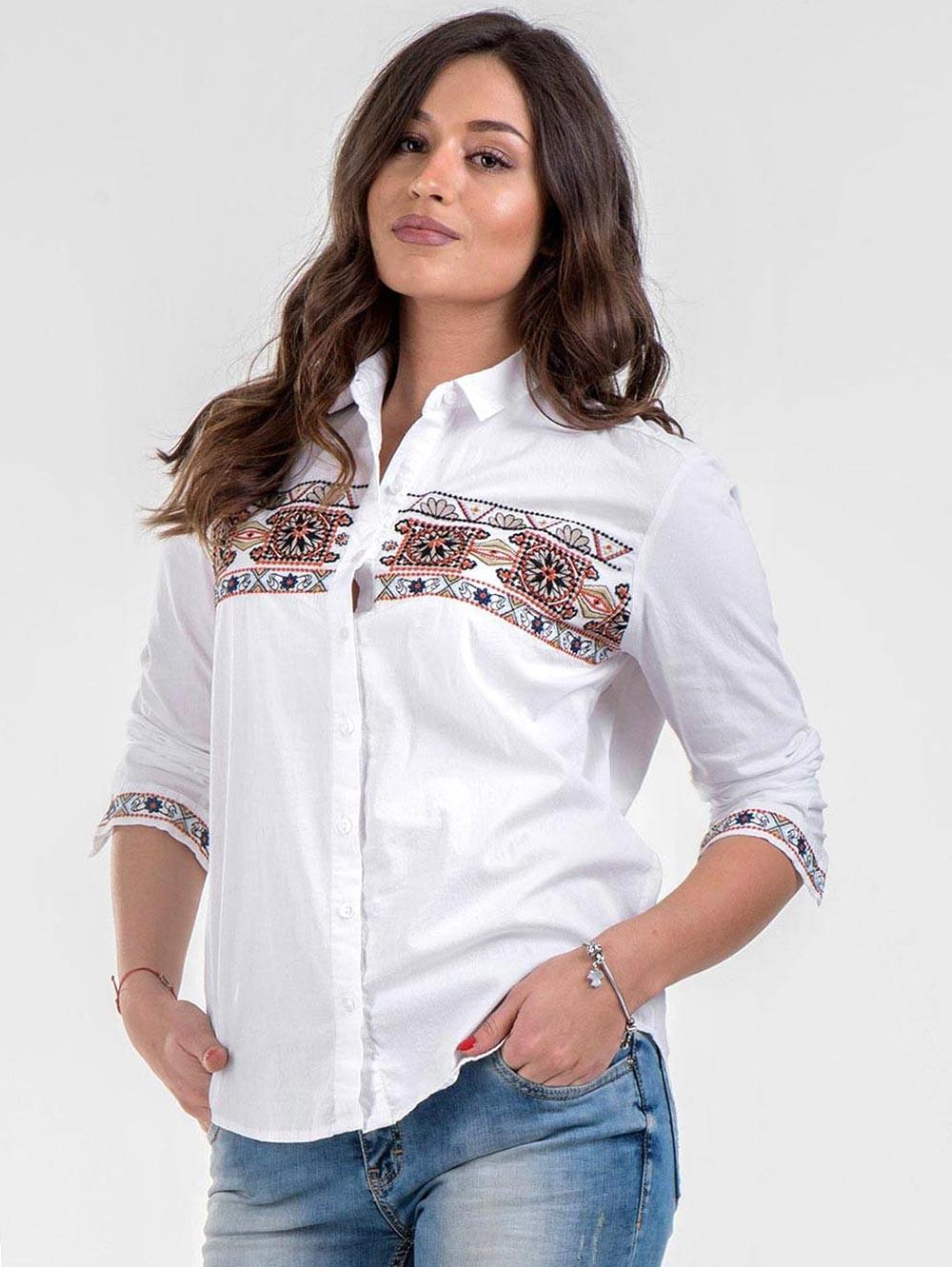 7ec2148d2db Бяла памучна дамска риза с бродерия | Ризи с дълъг ръкав от INDIGO Fashion
